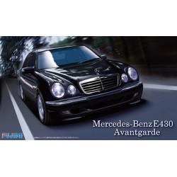 Macheta de asamblat Mercedes Benz E430 Avant Garde
